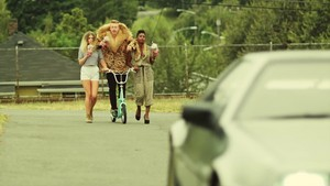Macklemore - Thrift ショップ {Music Video}