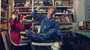 Macklemore - Thrift kedai {Music Video}