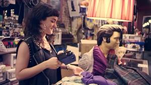 Macklemore - Thrift ショップ {Music Video}