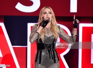 ম্যাডোনা at the IheartRadio awards