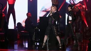 """Madonna performing on Ellen """"Living for love"""""""