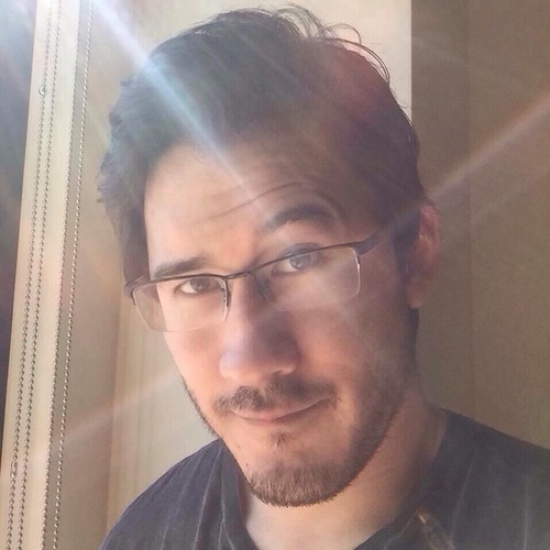 Markiplier karatasi la kupamba ukuta probably with a portrait titled Mark Fischbach