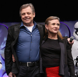 Mark Hamill and Carrie Fisher aka Luke Skywalker and Leia Organa at The तारा, स्टार Wars Celebration