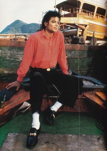 Michael Jackson fond d'écran titled Michael Jackson - HQ Scan - Bad Era Pic