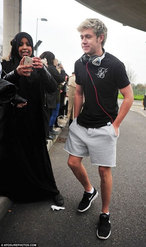 Niall At the airport in London