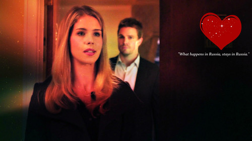 Oliver & Felicity Hintergrund possibly containing a business suit and a portrait titled Oliver and Felicity Hintergrund
