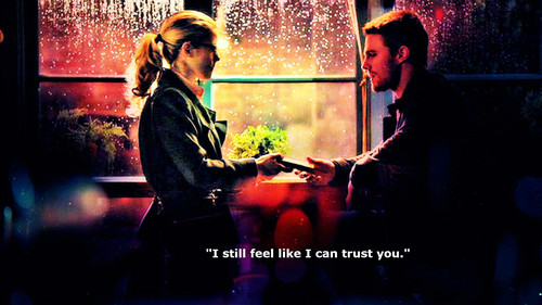 Oliver & Felicity wallpaper with a fonte called Oliver and Felicity wallpaper