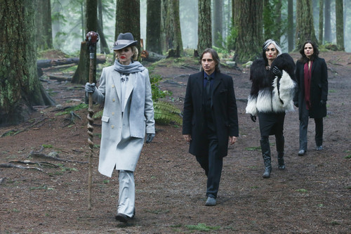 once upon a time wallpaper probably with a tabardo, tabard and a surcoat, sobretudo entitled Once Upon A Time - Episode 4.16 - Best Laid Plans