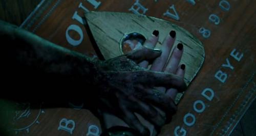 cine fondo de pantalla probably containing a calle called Ouija (2014)
