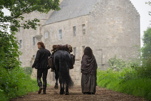 "Outlander ""Lallybroch"" (1x12) promotional picture"