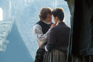"Outlander ""By the Pricking of My Thumb"" (1x10) promotional picture"