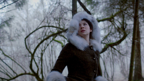 série TV Outlander 2014 fond d'écran titled Outlander - Episode 1.10 - par the Pricking of My Thumbs