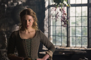 Outlander - Episode 1.10 - By the Pricking of My Thumbs