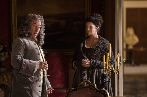 Outlander 2014 TV Series پیپر وال titled Outlander - Episode 1.10 - سے طرف کی the Pricking of My Thumbs