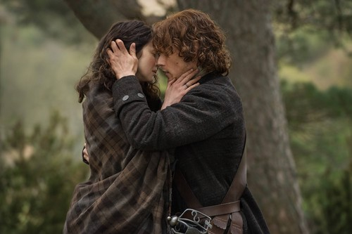 "Чужестранка (2014, сериал) Обои titled Outlander ""The Devil's Mark"" (1x11) promotional picture"