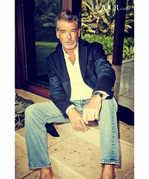 PIERCE BROSNAN NEW фото