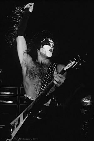 Paul ~February 1976…The foramu