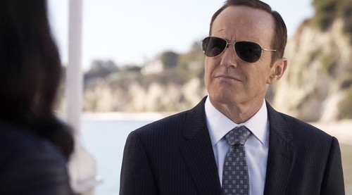 Agent Phil Coulson wallpaper containing a business suit and a suit entitled Phil Coulson