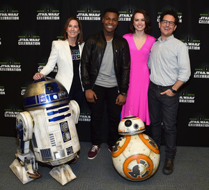 R2D2 BB-8 John Boyega margarita Ridley and JJ Abrams at The estrella Wars Celebration