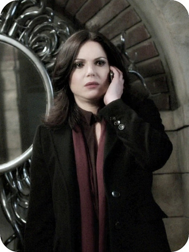 Once Upon A Time fond d'écran titled Regina Mills