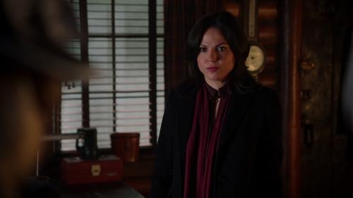 La Méchante Reine/Regina Mills fond d'écran titled Regina Mills