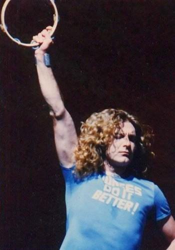 Led Zeppelin wallpaper containing a tennis racket entitled Robert Plant