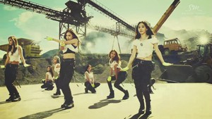 SNSD Catch Me If You Can Screencap