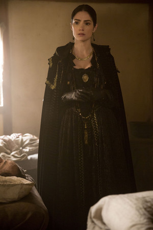 "Salem ""Blood Kiss"" (2x02) promotional picture"