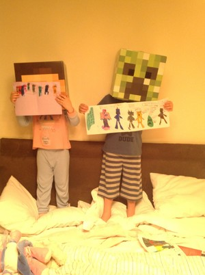 Samuel and 冬青, 冬青树 drew pictures for stampy
