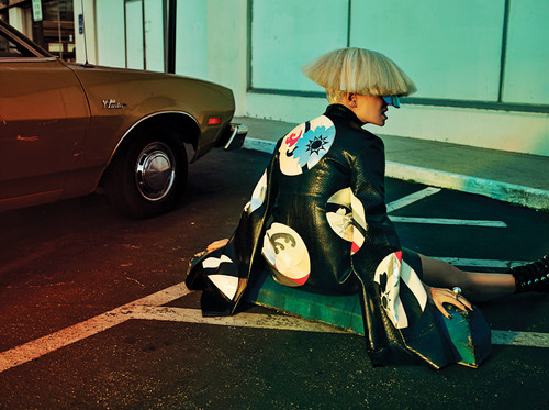 Sia fondo de pantalla possibly with a golf bag, an automobile, and a hip boot entitled Sia for Interview magazine