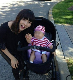 Sunye and Daughter Hailey Look Adorable in baru-baru ini foto