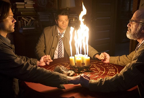 Sam Winchester wolpeyper with a candle called Supernatural 10x17
