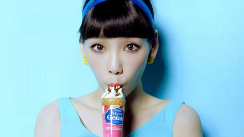 Girls Generation/SNSD wallpaper entitled TTS Taeyeon Lotte Buon Gelato CF