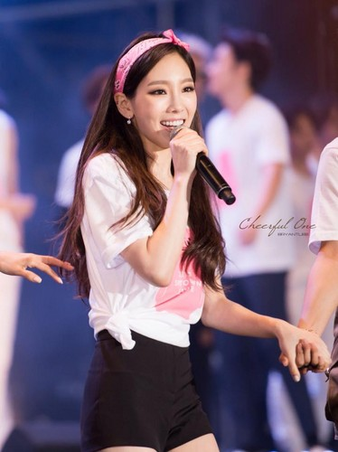 Girl's Generation/SNSD hình nền entitled Taeyeon SMTOWN in Taiwan