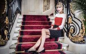 Taylor Hintergrund