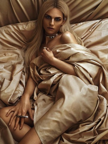 andrej pejic Hintergrund probably with a well dressed person and a box mantel called Teen Vogue: Andrej Pejic x Sam Snyder Collaboration
