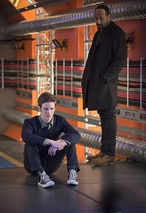 The Flash - Episode 1.17 - Tricksters - Promo Pics