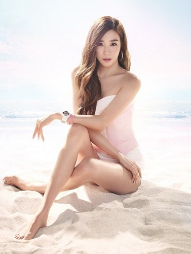 Tiffany Hwang wallpaper possibly containing a bikini, skin, and a portrait entitled Tiffany Baby G