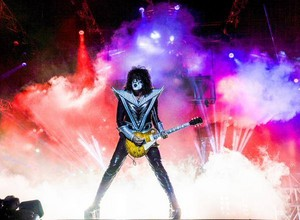 Tommy Thayer ~Quito, Ecuador...April 12, 2015
