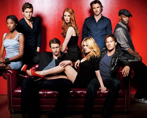 Tunay na Dugo wolpeyper containing a sopa titled True Blood Cast