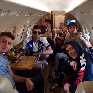 Zayn, Louis and دوستوں