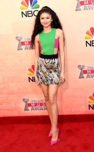 Zendaya at 2015 iHeartRadio संगीत Awards in LA 03/29/2015