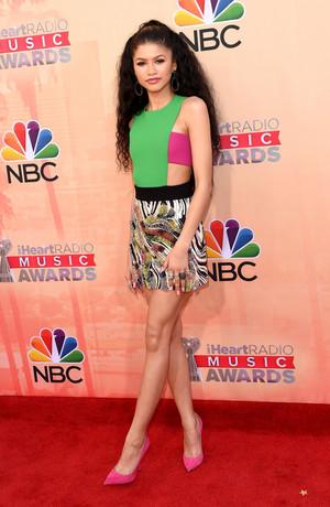 Zendaya at 2015 iHeartRadio संगीत Awards in LA 03/29/2015