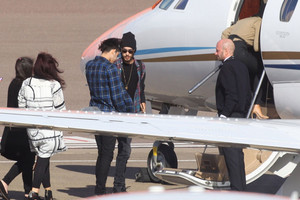 Zerrie hop on private jet with Zayn's family