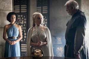 dany with missandei and selmy