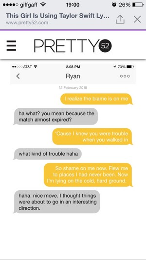 girl using taylor rápido, swift lyrics to flirt