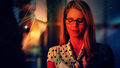 Emily Bett Rickards as Felicity Smoak वॉलपेपर