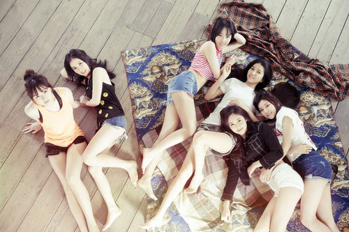 GFriend 壁紙 entitled G-Friend for Arena Homme June 2015