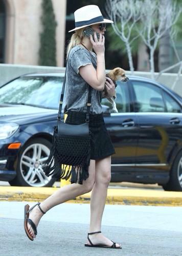 Jennifer Lawrence hình nền probably with a fedora, a hip boot, and a đường phố, street titled ★ Jennifer Lawrence ★
