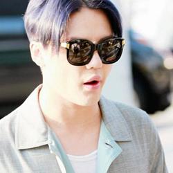 JYJ kertas dinding with sunglasses called Kim Junsu